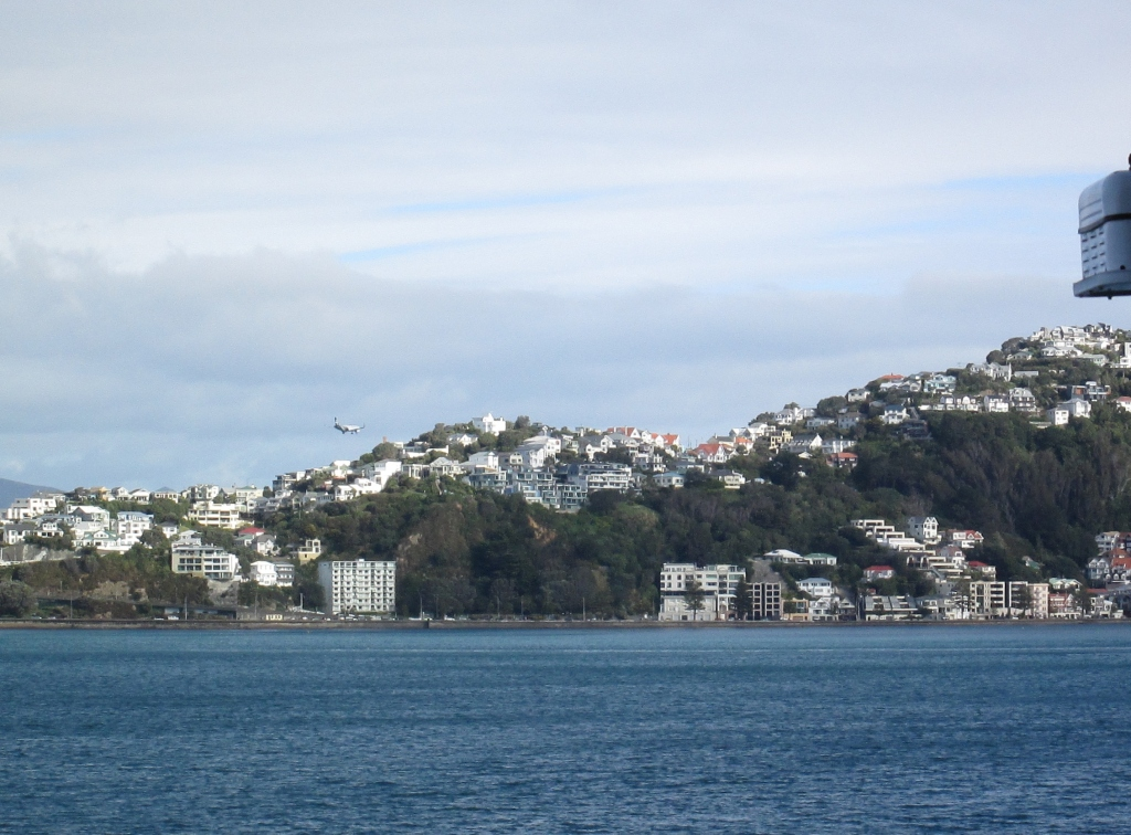 Don't be alarmed. The airport is on the other side of the mountain (photo: aka gringita, 2014, shot from the deck of the Dawn Princess, Wellington, NZ)
